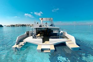 En Corse du Sud, l'hôtel Pinarello dévoile son catamaran
